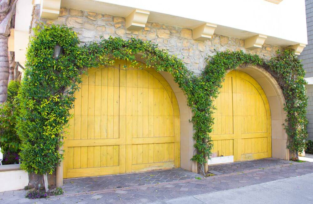 6 Hottest 2017 Garage Door Design Trends